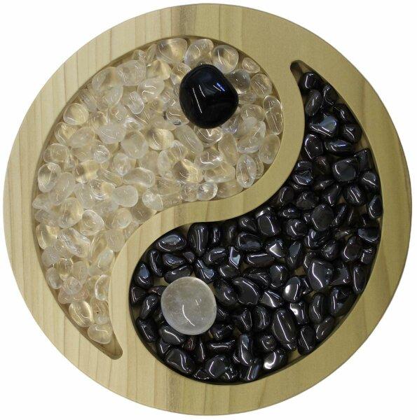 Yin Yang Teller aus Naturholz mit Trommelsteinen