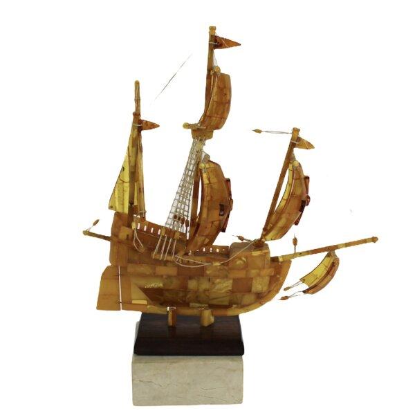 Segelschiff aus Bernstein